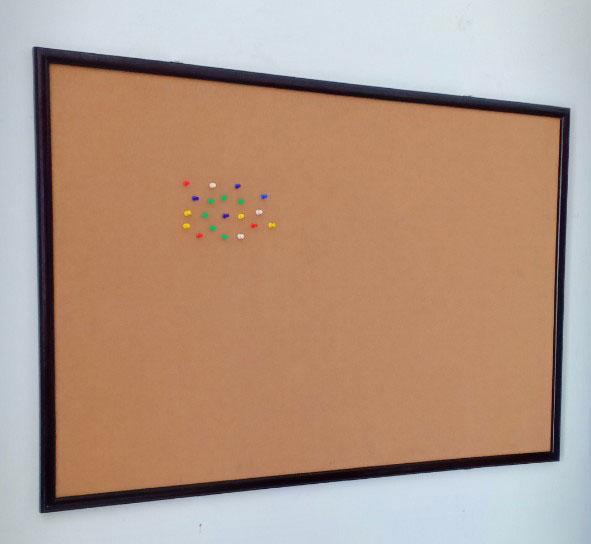 bảng ghim bần khung gỗ công nghiệp