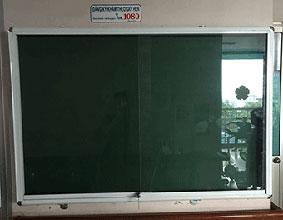 Bảng ghim khung nhôm kính mẫu 2828